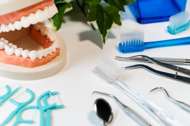 虫歯や歯周病は治療しておきましょう。