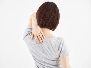 乳がんと肩甲骨のコリ「膏肓」のツボ