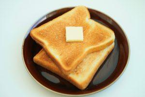 食生活はパン食へ変化