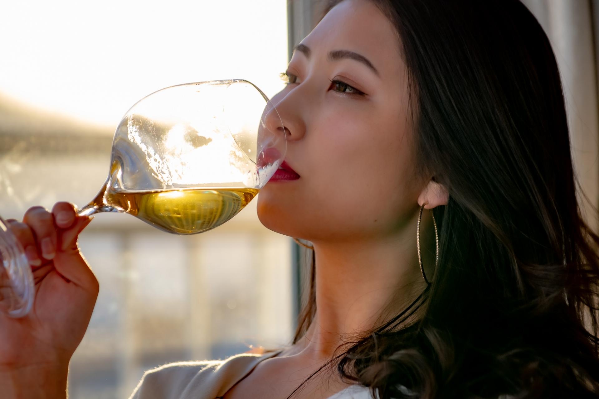 お酒が好きな女性は乳がんにご注意