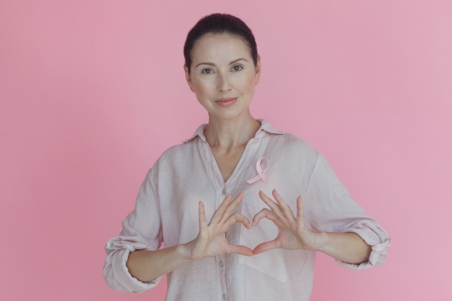 人工乳房(インプラント)による乳房再建について
